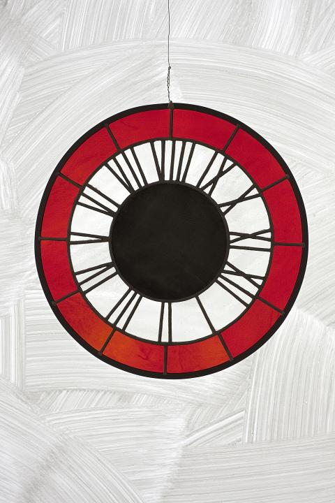 Ugo Rondinone, red white black clock, Horloge rouge blanche noire, 2012